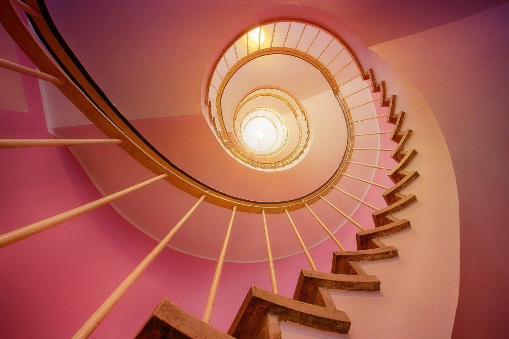Treppe spiralförmig